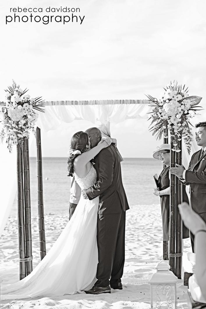 Wedding ceremony on Seven Mile Beach, Caribbean Club Grand Cayman: Wedding Ceremonies, Couples Photography, Couple Photography, Wedding Ceremony