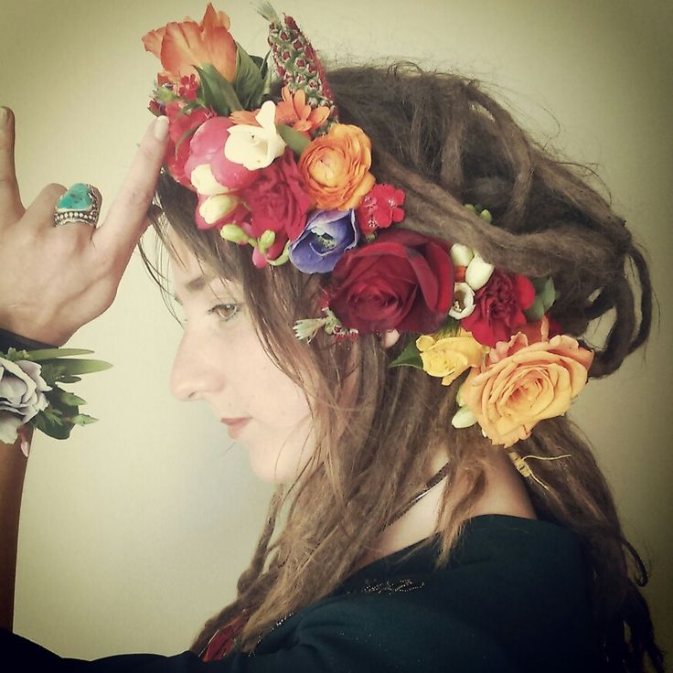 Flower crown and wristlet by febella flowers