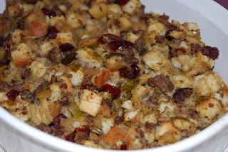 Juliann's Easy Eats: Sausage, Dried Cranberry and Apple Stuffing