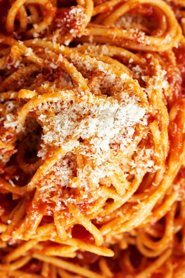 How To Make The Ultimate Spaghetti With Red Sauce