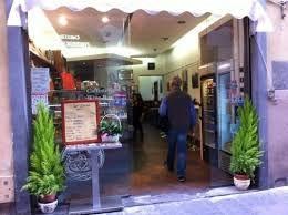 Bar Silvana Mi ricorda il classico bar di paese, pur essendo in centro a Firenze. :-)