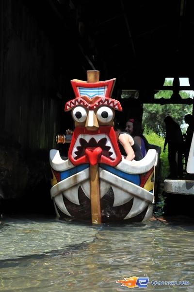 6/13 | Photo de l'attraction Raratonga située à Mirabilandia (Italie). Plus d'information sur notre site http://www.e-coasters.com !! Tous les meilleurs Parcs d'Attractions sur un seul site web !!