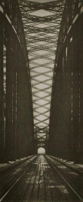 Hohenzollernbrücke Köln  Photo Hannes Maria Flach, black and white, bridge, city