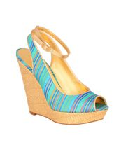 Shop online for wide range of collections from Wedges online india at Majorbrands.in. For more details visit here: http://www.majorbrands.in/brand/cl_2-c_1511/women/footwear/wedges.html  or call on 1800-102-2285 or email us at estore@majorbrands.in.