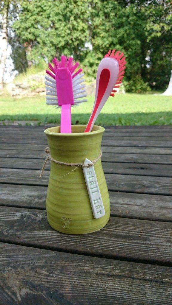 Diskborstställ / Washing brush rack / Handgjord keramik / Handmade ceramics / dbME - design by Mona Elwing