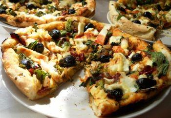 #Pizza cu spanac, broccoli si branza coapta la grill | Spinach, borccoli and cheese grill cooked pizza