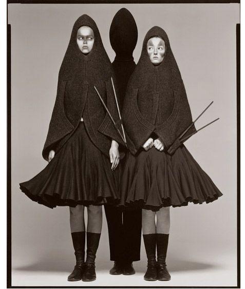 Carmen Kass and Audrey Marnay - New York - 1998 © Richard Avedon