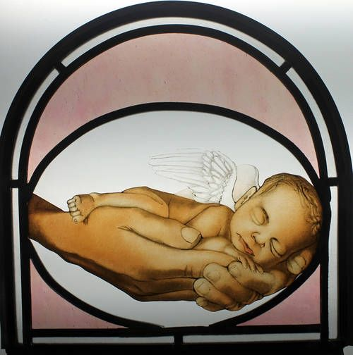 """Witraż ołowiany """"aniołek"""" / Lead stained glass  """"angel"""" Witraż wykonany techniką klasyczną w pracowni witrażu Bzik Studio. Szkło malowane oraz wypalane w wysokiej temperaturze w piecu elektrycznym. http://www.bzikstudio.com http://www.facebook.com/bzikstudio"""