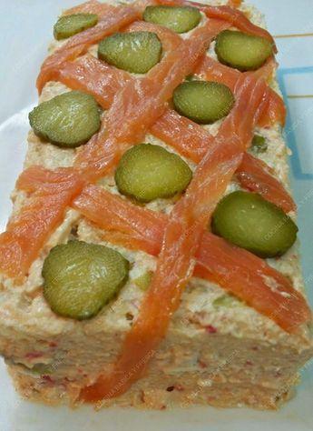PASTEL DE PALITOS DE CAGREJO  Un pastel q podemos preparar con antelacion y tenerlo disponible para su consumo. Con...