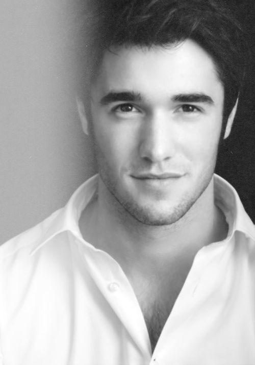 Josh Bowman (Daniel in Revenge)