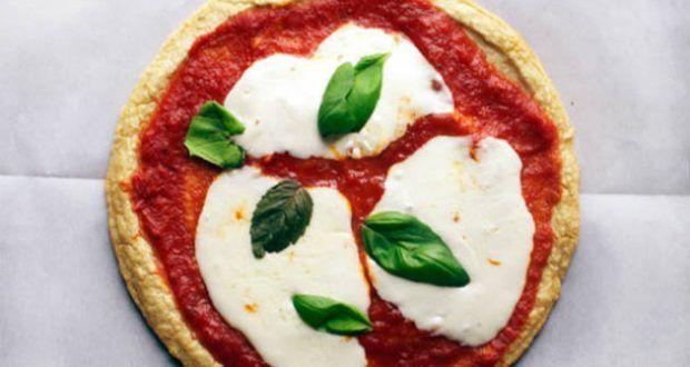 1. Receita de pizza de liquidificador light    Ingredientes:   Massa   1 xícara de chá de leite frio desnatado;  2 ovos;  4 colheres de s...