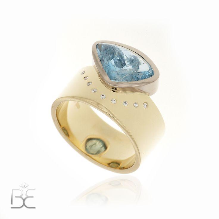 Golden design ring, Yellow and white, aquamarine and diamonds. Handmade by Sabine Eekels