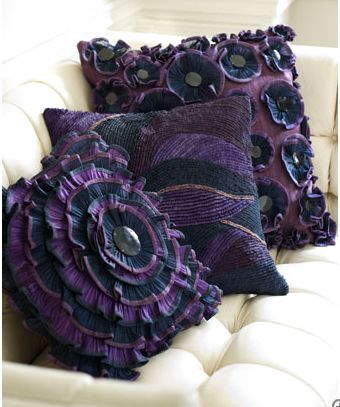 Could I DIY?: Scatter Cushions, Colors Combos, Purple Pillows, Spare Bedrooms, Accent Pillows, Head Cabbages, Purple Passion, Pillows Talk, Throw Pillows