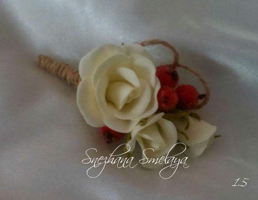 Одежда и аксессуары ручной работы. Ярмарка Мастеров - ручная работа. Купить Бутоньерка ручной работы Белая роза с ягодами. Handmade.