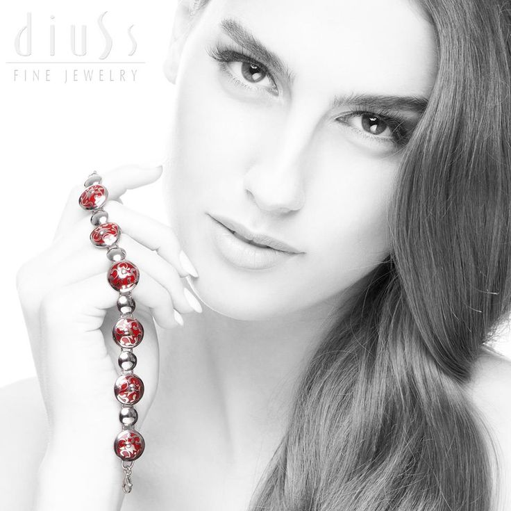 Love, love love!!!!! Awesome! I'm moving to L.A... soon be able to order the Diuss jewelry in the United States! :)