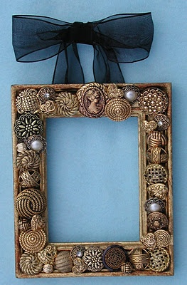 Another use for all those metal buttons.. very pretty!
