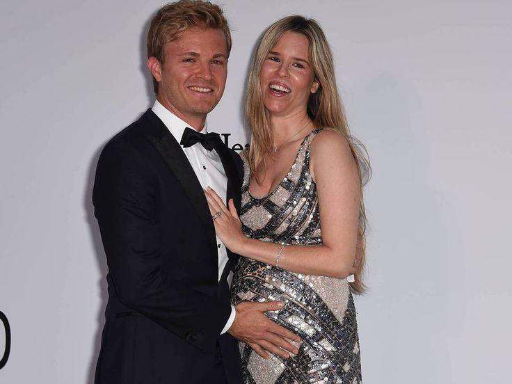 """Nico Rosberg freut sich über die Geburt seines zweiten Kindes. Es ist erneut ein Mädchen, wie """"Bild"""" berichtet. Auch der Name wurde schon verraten. Formel-1-Weltmeister Nico Rosberg (32) ist zum zweiten Mal Vater geworden. Das berichtet """"Bild"""". """"Die Geburt verlief..."""