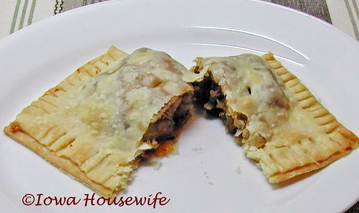 The Iowa Housewife: Irish Beef Hand Pies