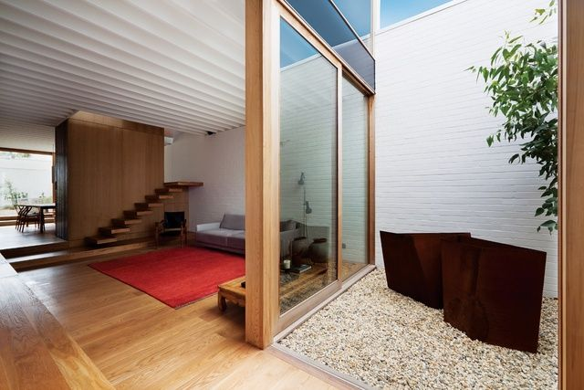 Brilliant stairs - halfway visible and roomdevider  See it from the other side alspo Hawthorn Residence | ArchitectureAU