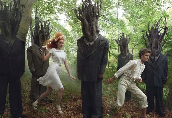 Hansel and Gretel Remade For Vogue - Dec 09 (6 pics) -Photographer Annie Leibowitz