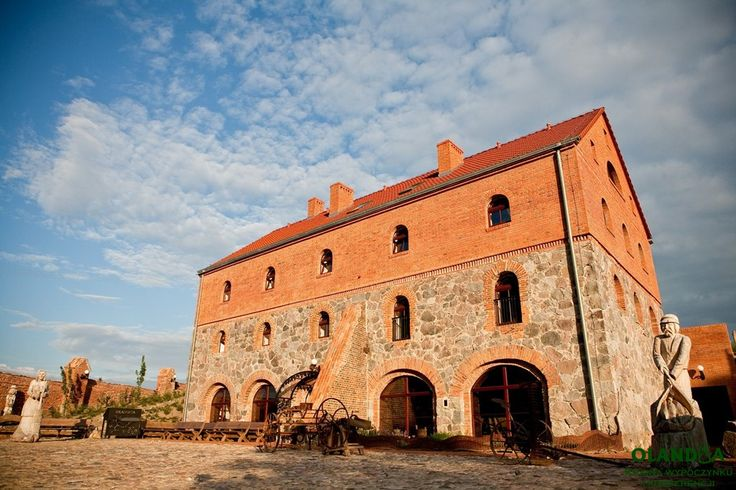Old granary from XIX century / now 14 rooms, SPA and winery / hotel / Olandia