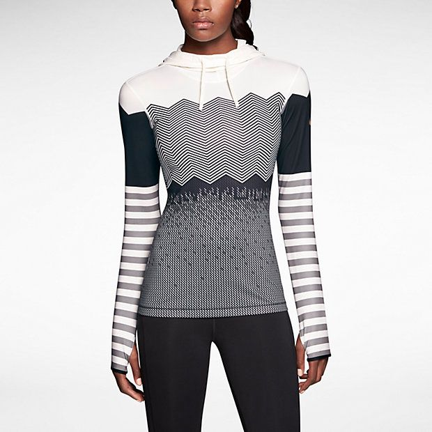 Don't let dropping temperatures keep you from working out! These stylish winter workout clothes will keep you motivated to get off the couch onto the sidewalk!