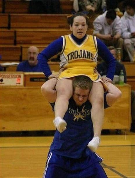 Cheerleader Oops! 15 Embarrassing Moments in Cheerleading - ODDEE