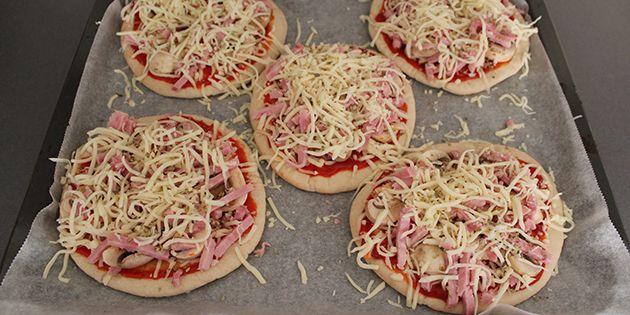 Hurtige pizzaer på pitabrød
