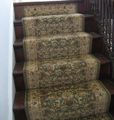 Google Image Result for http://1.bp.blogspot.com/_qVUoD9EHNdY/SaL1f77pcYI/AAAAAAAAFzI/1cCd1y_MlPE/s400/stair-runner-installation2.jpg