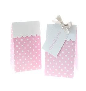 Throwing a PINK baby shower? Or a pretty in PINK party for that little lass in your life? Check out our All the pink party pack! #strawberryfizz#partypacks#pinkpartysupplies#