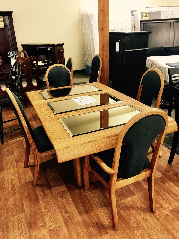 The Saundra's Outlet is open Thursday, Friday and Saturday with consignment furniture, clearance and overstock furniture goods. For more information click here: http://demo33687.appliances.dev.rwsgateway.com/locations.html?store=2