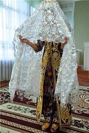 Национальная Узбекская свадебная одежда, а также приветствие после свадьбы. Всем на зависть и только белый))