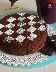 TORTA CAPRESE - DI SALVATORE DE RISO è una ricetta golosissima e semplice da preparare. La torta caprese, a base di mandorle e cioccolato è una torta ..
