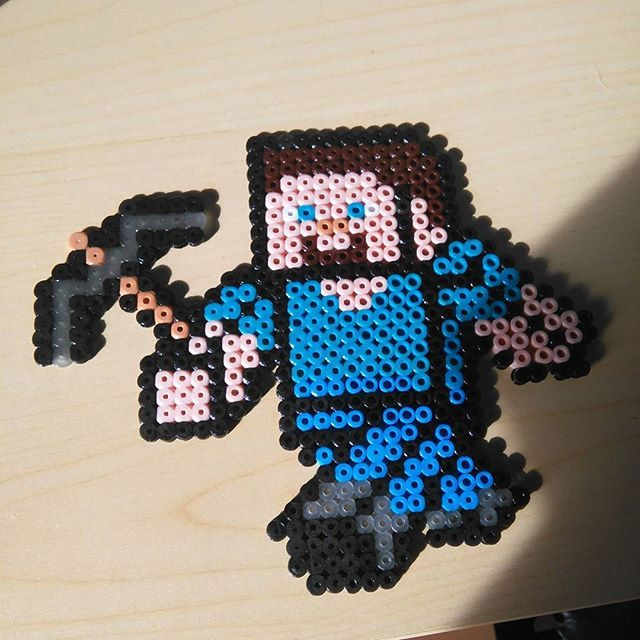 steve minecraft hama beads by xplayer 01 knitting ideas video games pinterest minecraft. Black Bedroom Furniture Sets. Home Design Ideas