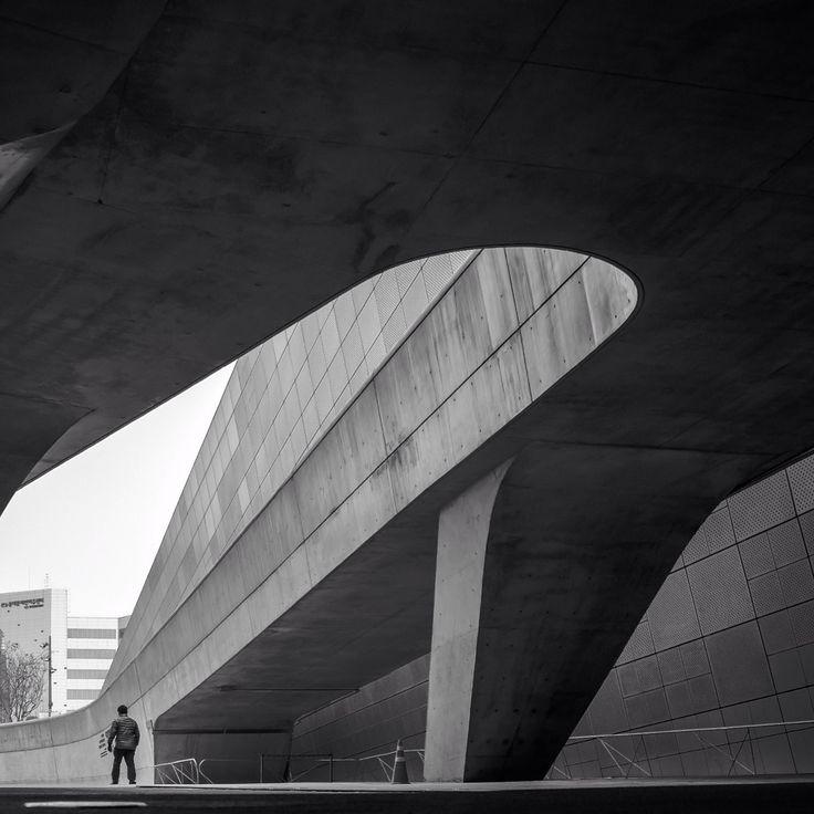 Dongdaemun Design Plaza by Zaha Hadid