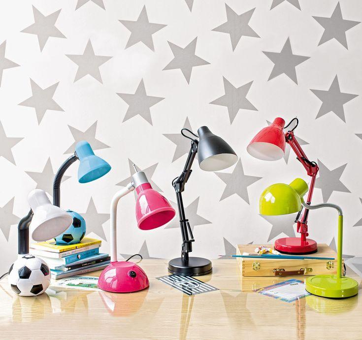 Todo el estilo para la pieza de los pequeños del hogar. Table Lamp, Lighting, Home Decor, Environment, Chairs, Home, Style, Desktop, Table Lamps