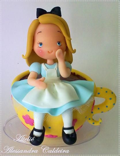 Alice in teacup, Alice in Wonderland #Disney #cake #topper