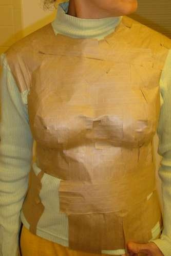 DIY dressform / dress form / dummy / mannequin. TUTORIAL: On how to make a custom-fitted dressform to fit your figure - using glue/adhesive paper packing tape. See also this pin: http://pinterest.com/pin/154318724701636116/