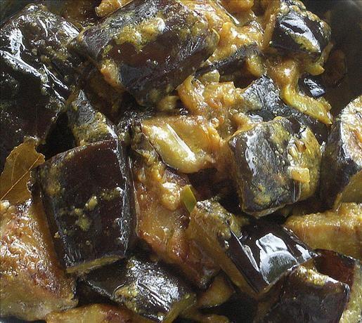 Sri Lankan Eggplant (Aubergine) Curry    Read more at: http://www.food.com/recipe/sri-lankan-eggplant-aubergine-curry-108208?oc=linkback