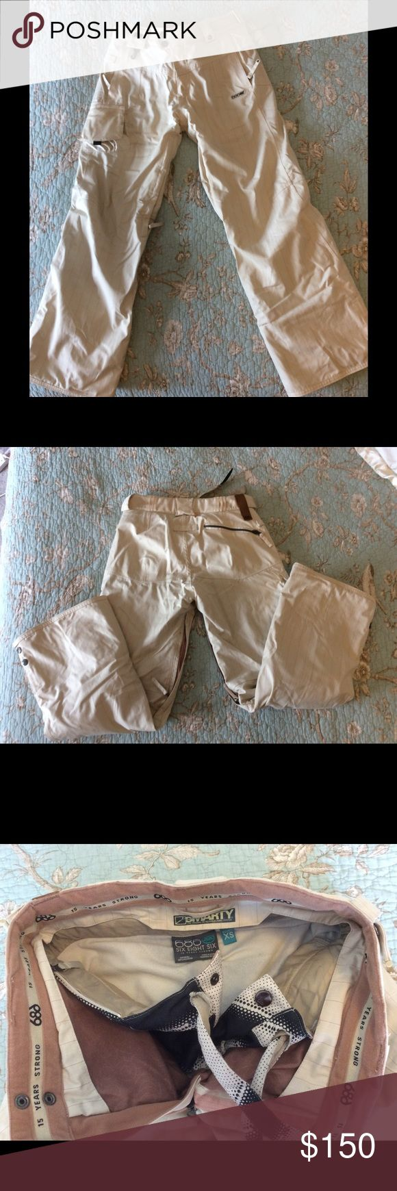 686 smarty ski pants women's XS Women's ski pants 686 smarty insulated ski/snowboard pants. Cream color size XS. Fits size 0,2,4. Worn twice. Excellent condition. 686 smarty ski snowboard pants. Pants Wide Leg