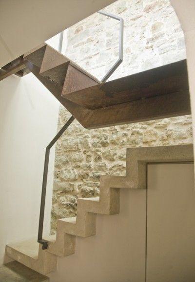 Best Black Steel Minimal Stair 400 x 300