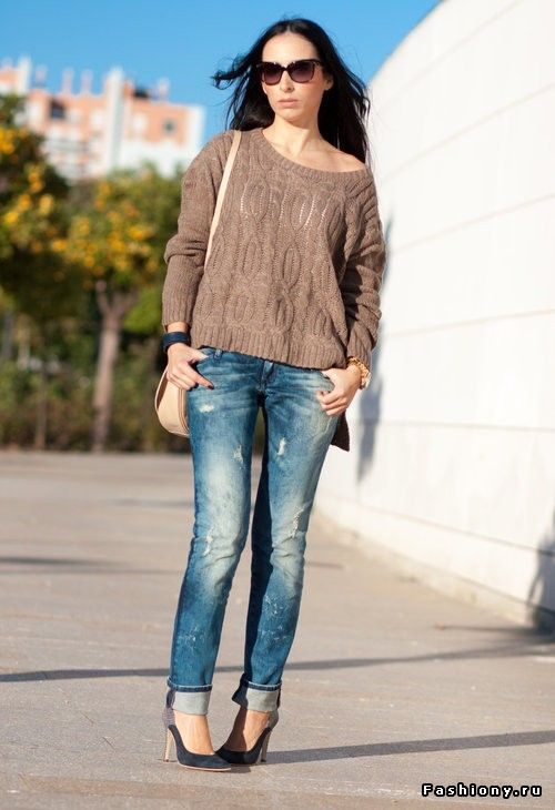 Яркие и уютные свитера / малиновые свитера спицами