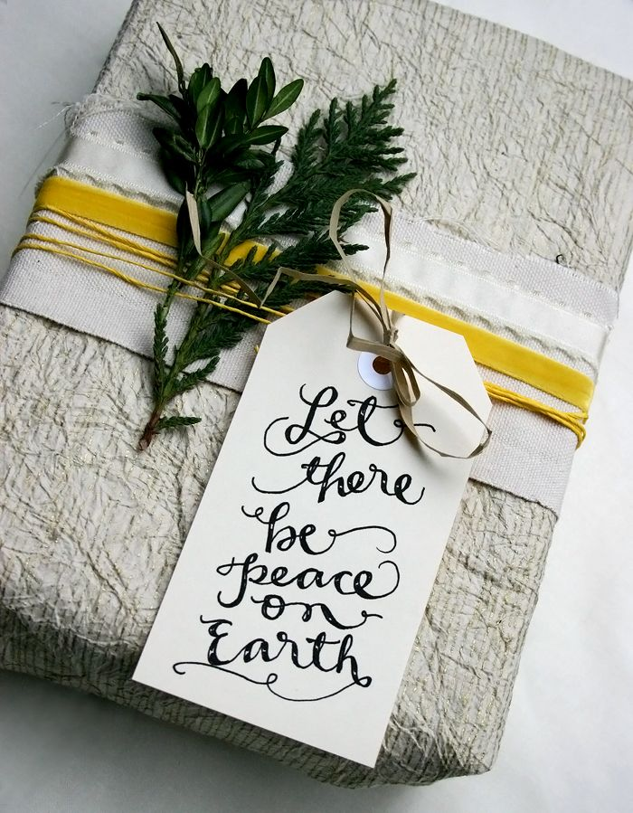12 Free Calligraphy-Style Printable Gift Tags #free #printable #gifttags