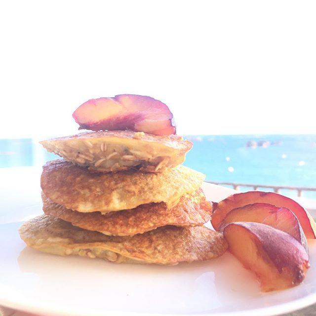 Passez à l'action aujourd'hui pour réaliser vos rêves : http://www.penser-et-agir.fr/pinterest/ 🍎 Lundi Nutri-Sport : Recette de pancakes healthy ! (Et surtout facile et rapide 😉) ➡️Tag un ami healthy  Il est important de se faire plaisir (surtout en vacances ) tout en mangeant sain et équilibré ! Pour ce petit déjeuné gourmand vous avez besoin de : - 30g de flocon d'avoine - 1 œuf entier - 1 Banane - 1 fruit de votre choix ➡️ Écrasez la banane dans un grand verre, ajoutez l'œuf et…