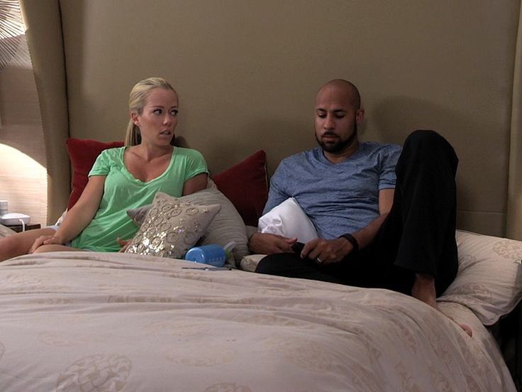 WATCH: Hank Baskett Feels Devastated by Kendra's Reasons for Staying with Him -