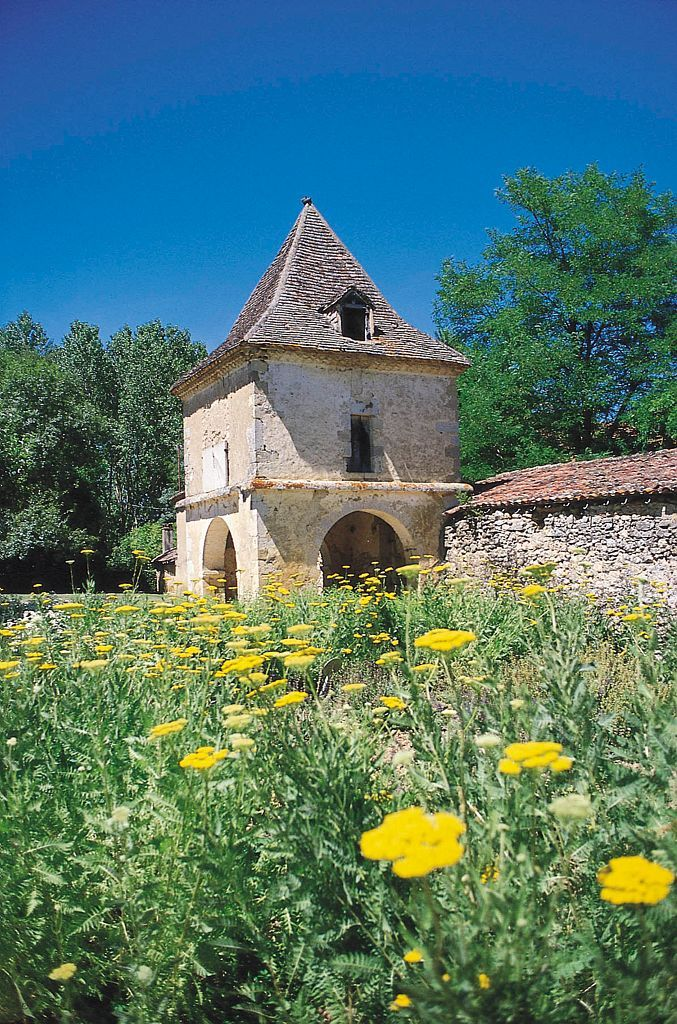 ABBAYE CISTERCIENNE DE FLARAN (XII - XVIII ème) 32310 Valence-sur-Baïse