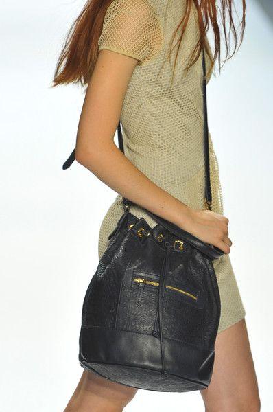 Bucket bag - Charlotte Ronson