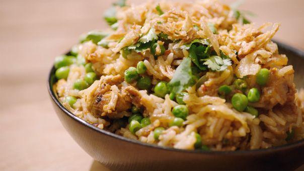 Eén - Dagelijkse kost - Een gelakt stukje varkensgebraad met nasi goreng | Eén