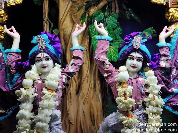 http://harekrishnawallpapers.com/sri-sri-nitai-gaurachandra-close-up-wallpaper-004/