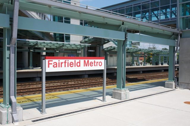 (97k, 640x426)<br><b>Country:</b> United States<br><b>System:</b> Metro-North Railroad (or Amtrak or Predecessor RR)<br><b>Line:</b> Metro North-New Haven Line<br><b>Location:</b> Fairfield Metro <br><b>Photo by:</b> Richard Panse<br><b>Date:</b> 8/2012<br><b>Viewed (this week/total):</b> 0 / 255